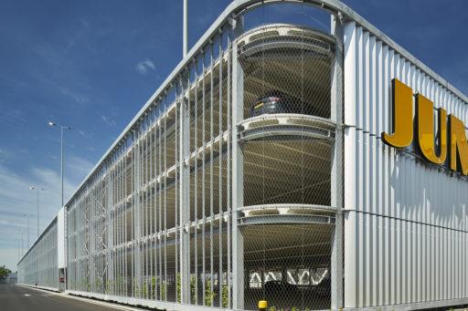 Jumbo-Distributiecentrum-Parkeergarage-Nieuwegein-met-RVS-kabelnetten-als-veiligheidsnetten-Carl-Stahl