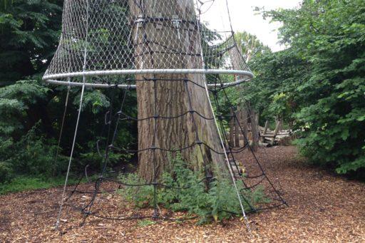 boomkroontoren-amsterdam-netten-rondom-boom