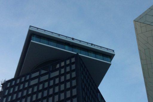 A'DAM Toren in Amsterdam met kabelnetten rondom het uitkijkpunt - Carl Stahl Benelux