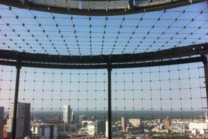 Uitkijkpunt Strijkijzer met RVS kabelnetten ter beveiliging - Carl Stahl Architectuur Benelux