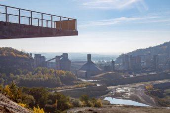 Uitzicht platform Sint Pietersberg ENCI groeve Maastricht met RVS kabelnetten - Carl Stahl Benelux